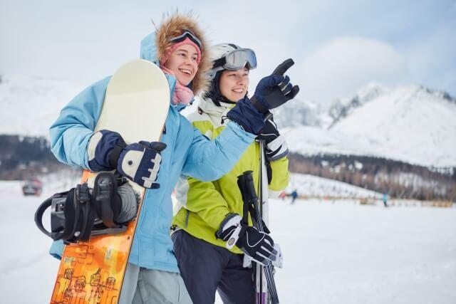 スキーに必要なものは何?持っていくと便利なアイテムを紹介!